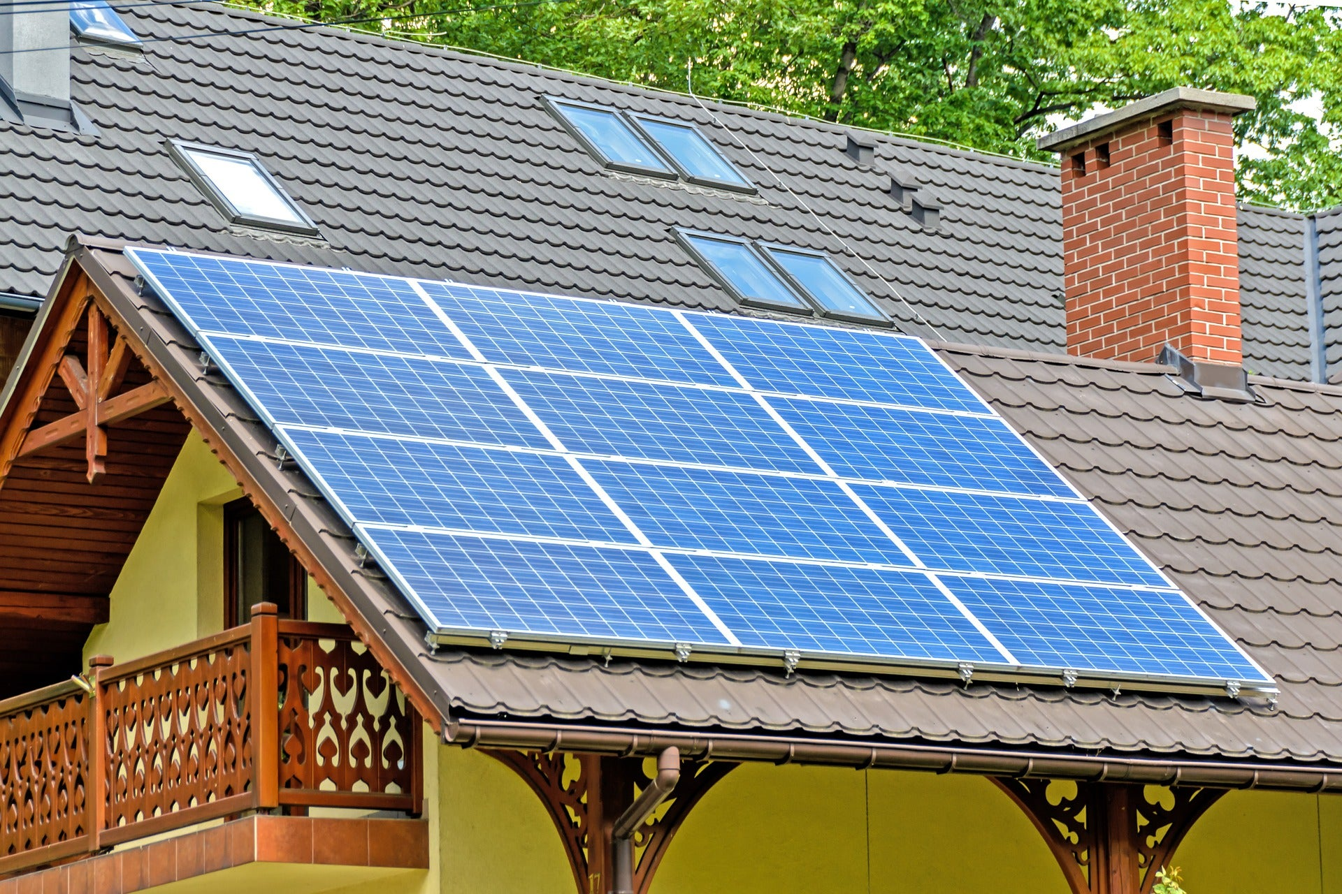 Why You Should Consider Adding Solar Panels To Your House | Benzinga